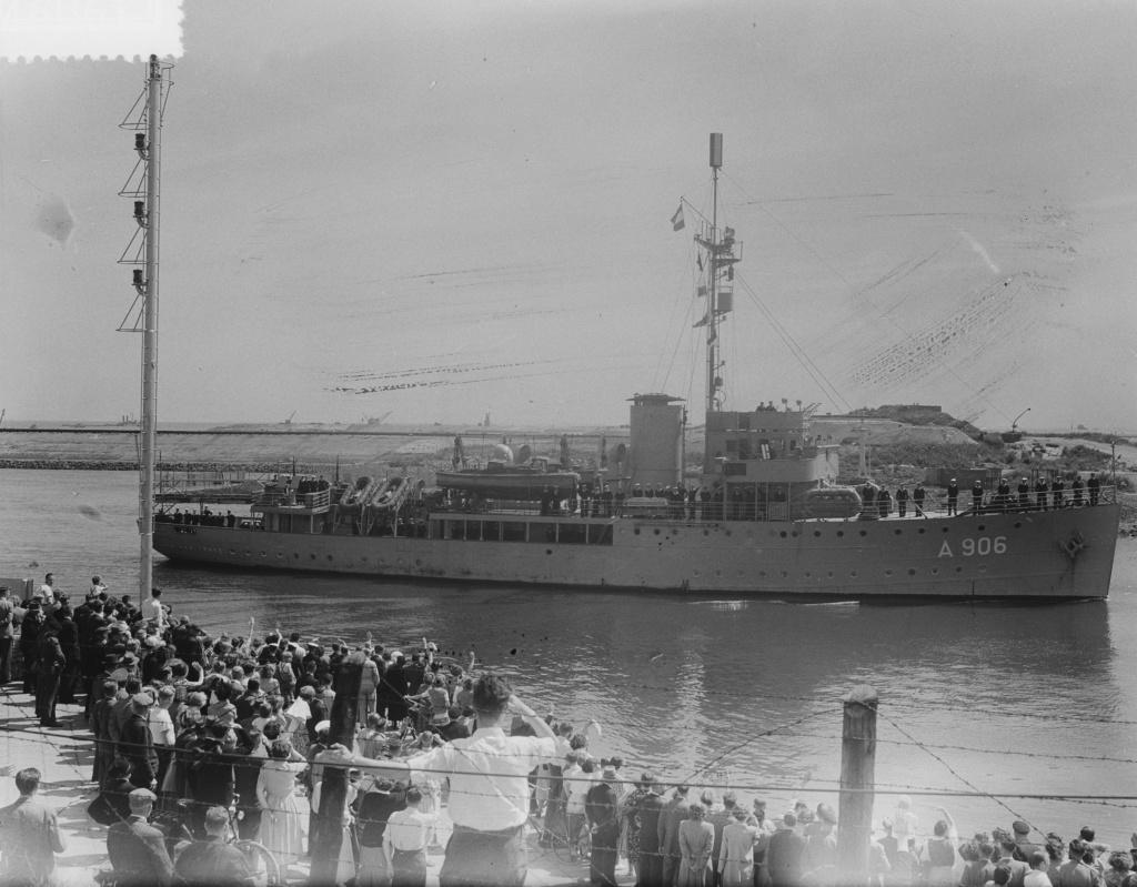 La Marine néerlandaise sauf cuirassés,croiseurs,destroyers  - Page 2 Jan_va12