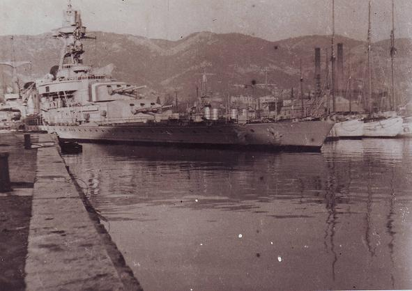 Sabordage de Toulon en photos - Page 4 La_gal10