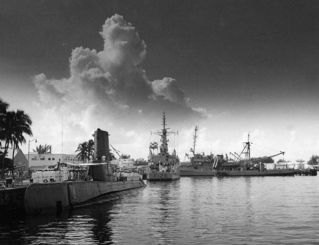 Les sous marins; escorteurs; mouilleurs de mines espagnols.  Narcis10