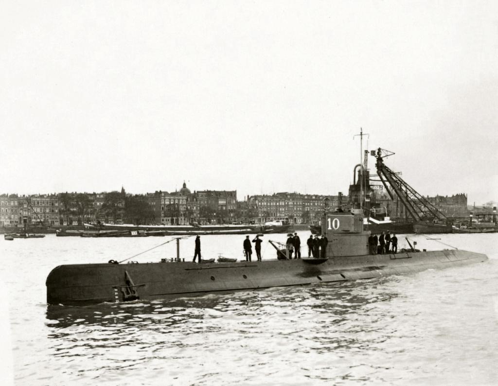 Les sous-marins néerlandais O10_f110