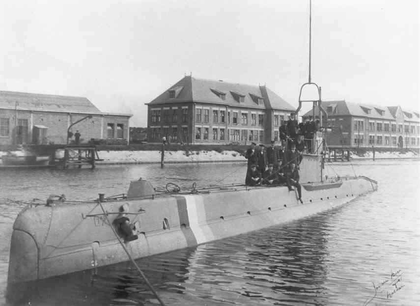Les sous-marins néerlandais O_7_ba11
