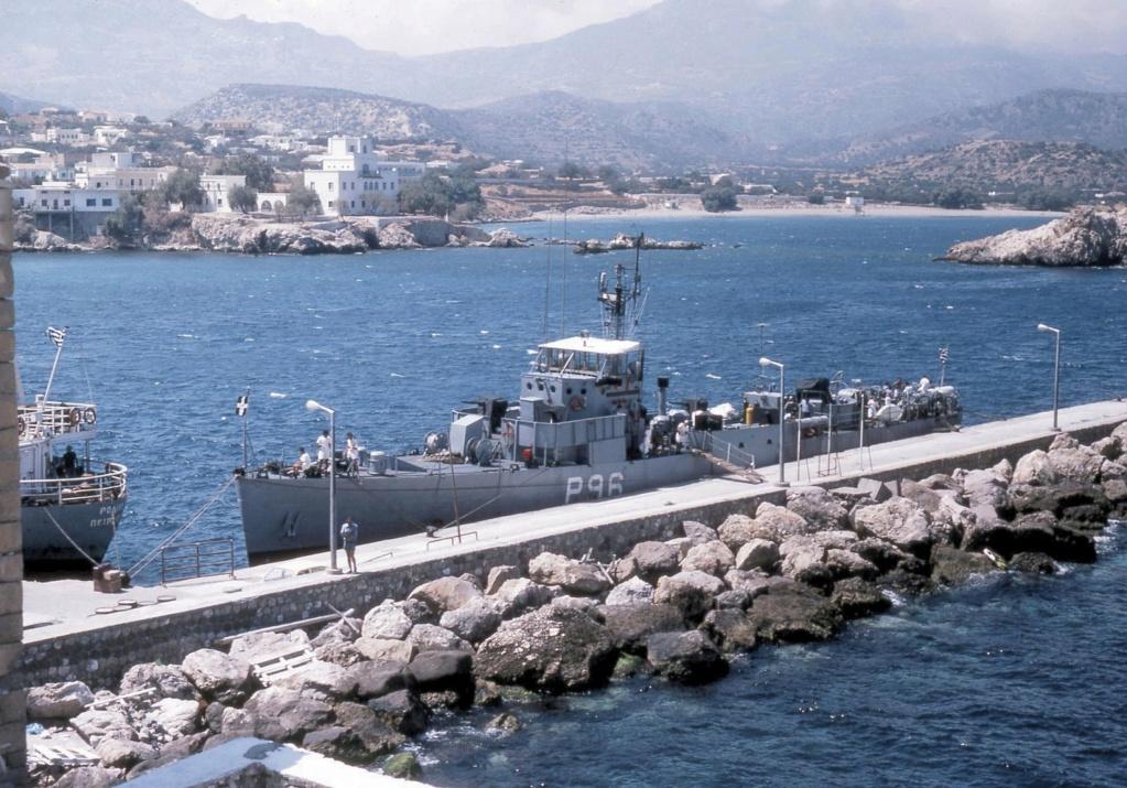 Marine grecque  - Page 3 Plotar12
