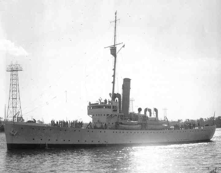 Les navires du Coast Guard Service des Etats-Unis Pontch10