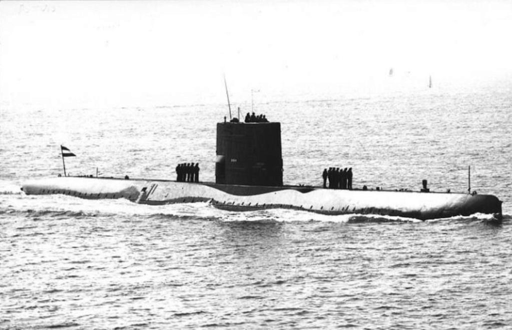 Les sous-marins néerlandais - Page 2 Potvis10