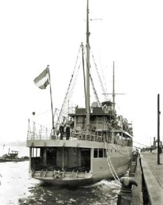 La Marine néerlandaise sauf cuirassés,croiseurs,destroyers  - Page 2 Prins_11