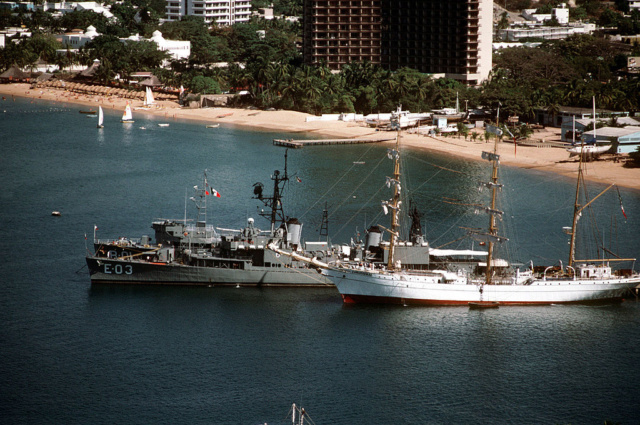 Marine Mexicaine  Quetza10