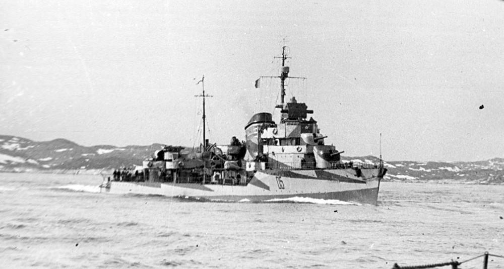 Destroyers russes/Soviétiques  - Page 10 Razumn10