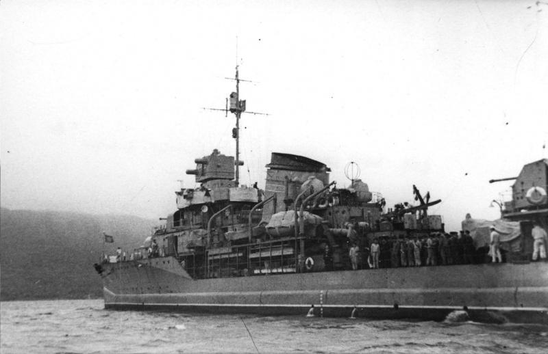 Destroyers russes/Soviétiques  - Page 10 Razyas10