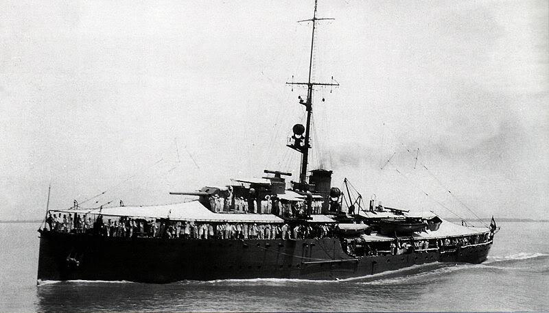 La Marine néerlandaise sauf cuirassés,croiseurs,destroyers  Soemba10