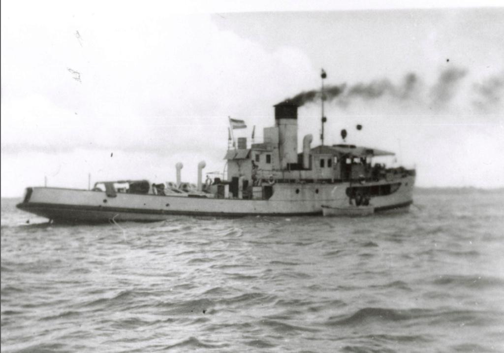 La Marine néerlandaise sauf cuirassés,croiseurs,destroyers  - Page 2 Soemen10