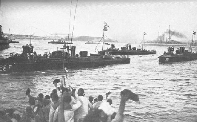 Marine Austro-Hongroise  - Page 3 Tb68_f10