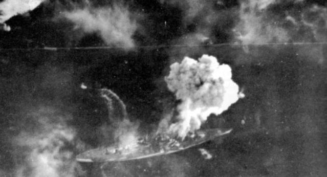 La fin du cuirassé Tirpitz Tirpit11