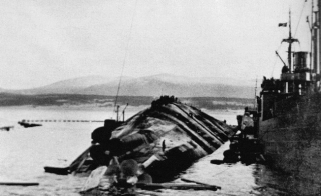 La fin du cuirassé Tirpitz Tirpit14