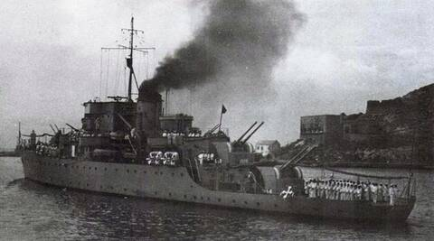 Les sous marins; escorteurs; mouilleurs de mines espagnols.  1_piza10