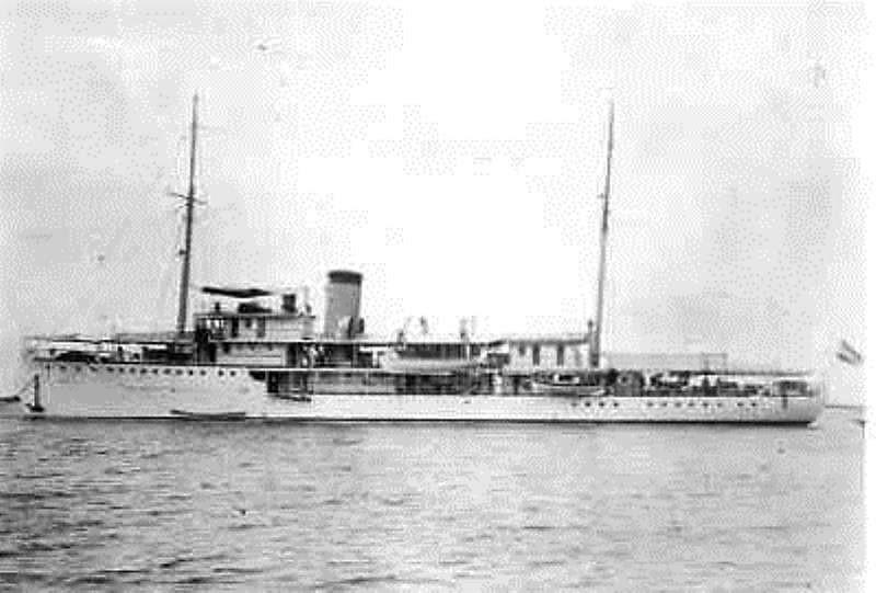La Marine néerlandaise sauf cuirassés,croiseurs,destroyers  - Page 2 Valk_110
