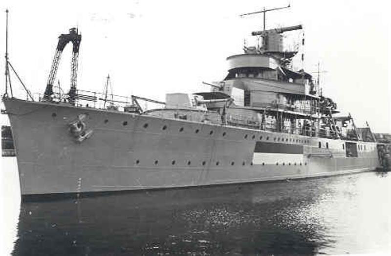 La Marine néerlandaise sauf cuirassés,croiseurs,destroyers  Van_ki10