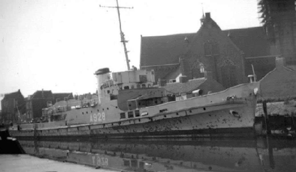 La Marine néerlandaise sauf cuirassés,croiseurs,destroyers  W_abra11