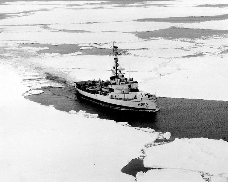 Les navires du Coast Guard Service des Etats-Unis Wag28210