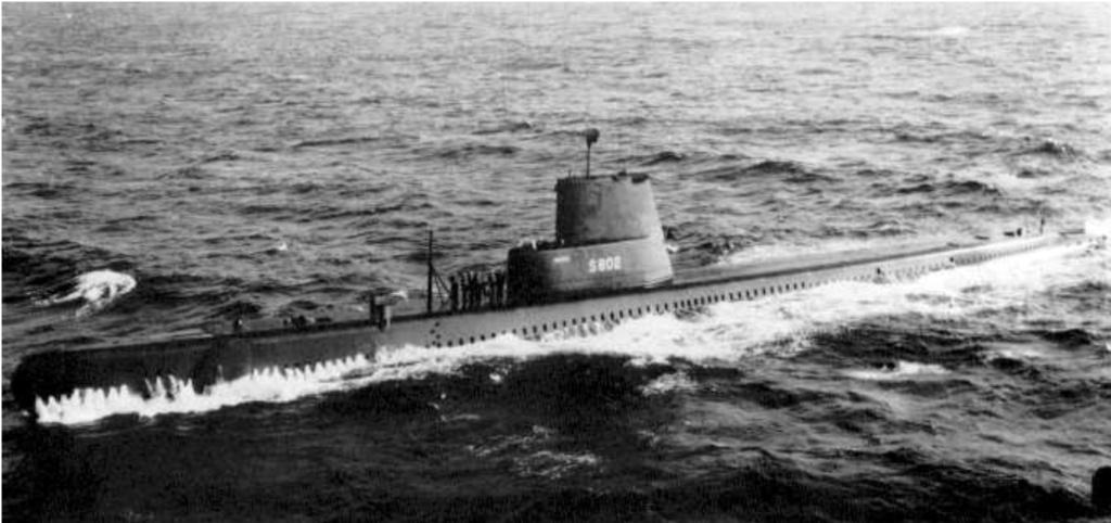 Les sous-marins néerlandais - Page 2 Walrus10