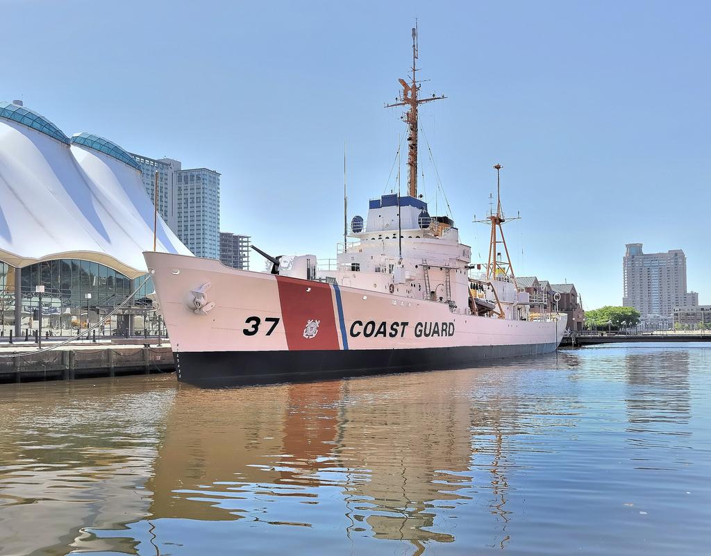 Les navires du Coast Guard Service des Etats-Unis Wpg37_11