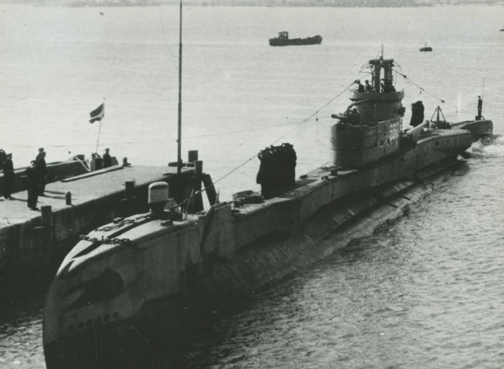 Les sous-marins néerlandais - Page 2 Zeehon11