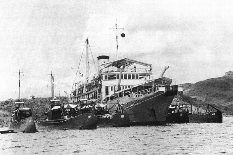 La Marine néerlandaise sauf cuirassés,croiseurs,destroyers  - Page 2 Zuider11