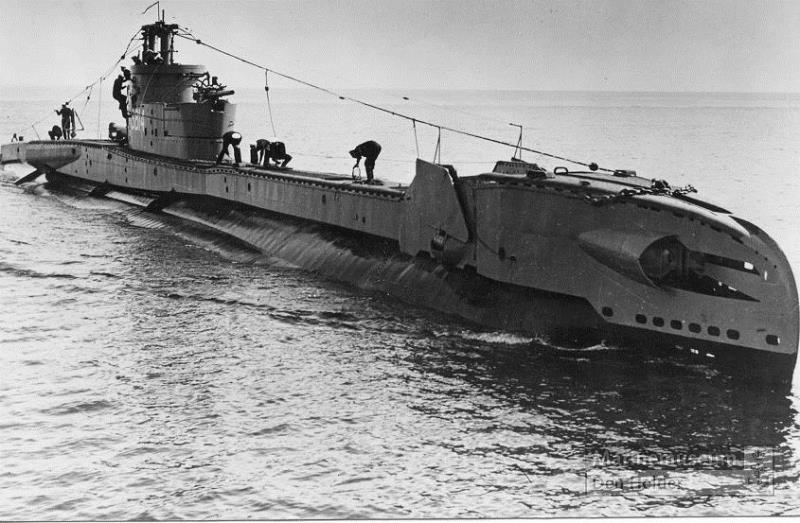 Les sous-marins néerlandais - Page 2 Zwaard10