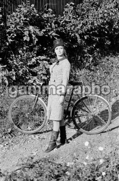 Brigiitte Bardot à vélo 13098319