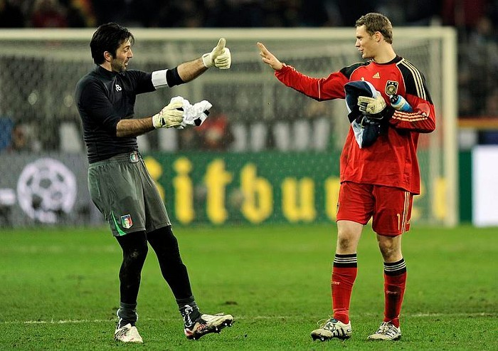 #1 - Manuel Neuer Buffon11