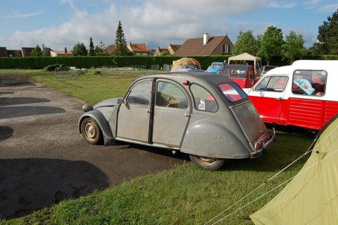 Photo de ma 2cv azam en cours de légére modifications sa vous interesse? - Page 4 31158710