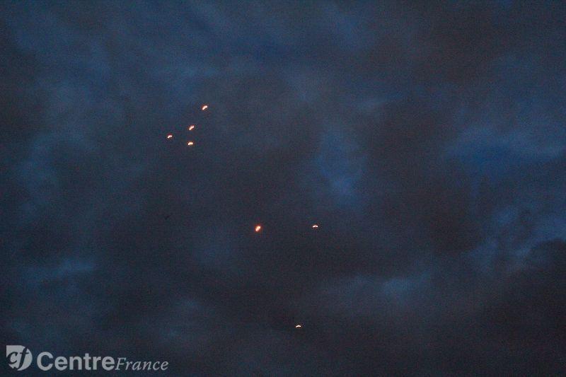 Des lumières rouges dans le ciel samedi soir (témoignage audio) Ovni0010