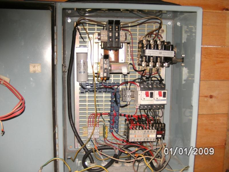 Motorisation d'un table avec du 230V Mono  - Page 4 Bild0111