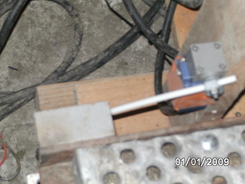 Motorisation d'un table avec du 230V Mono  - Page 4 Bild0114