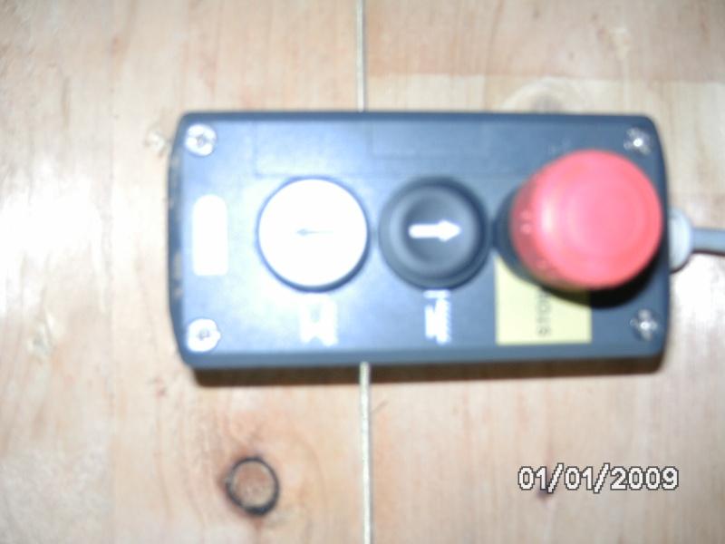 Motorisation d'un table avec du 230V Mono  - Page 4 Bild0115
