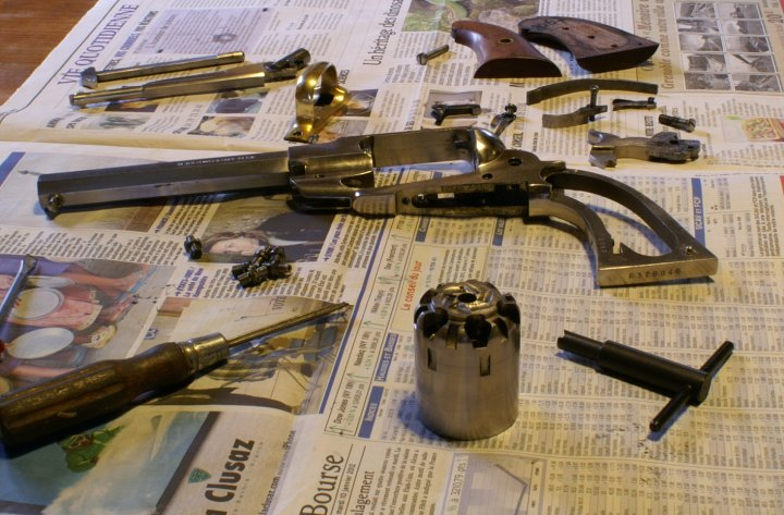 vieillir une arme en inox poli Sa210