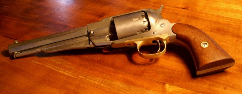 vieillir une arme en inox poli Sa510