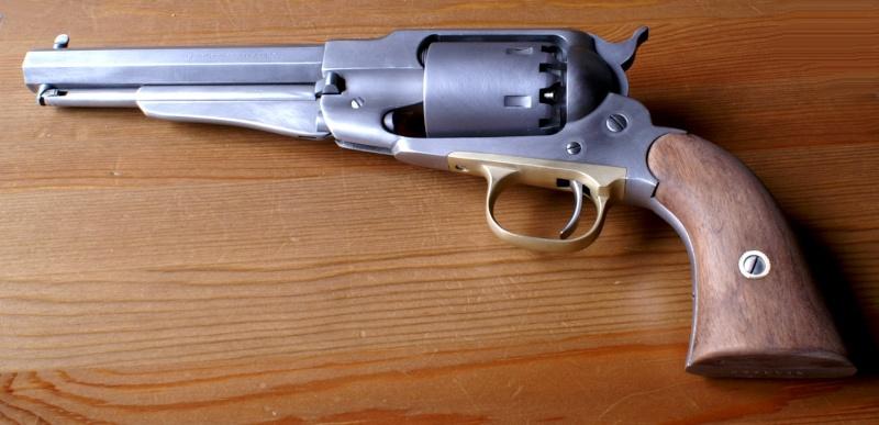 vieillir une arme en inox poli Sa610