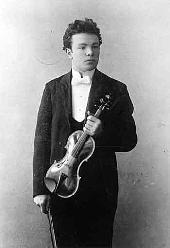 الموسيقار الايطالى اوتورينو رسبيجى رائد التعبيرية فى القرن العشرين 116-fo10