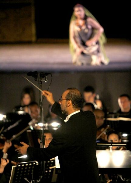 الموسيقار المصرى نادر عباسى من مؤلفى الجيل الثالث 431px-10