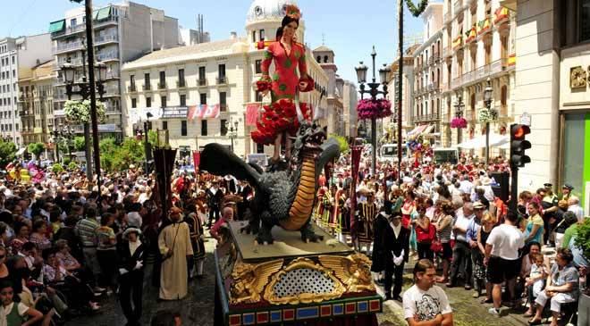 Fete-Dieu a Seville بتوزيع اوركسترالى من اعمال اسحاق البنيز Corpus10
