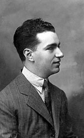اربع مقطوعات للبيانو مؤلفة عام 1938 من اعمال رودريجو F073_210