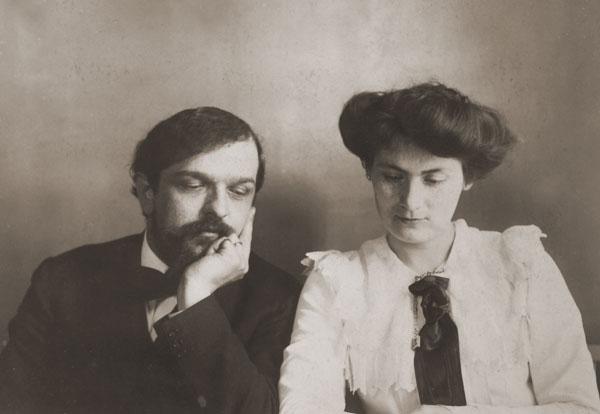 متتابعة برجاماسك للبيانو من اعمال الموسيقار ديبوسى مصنف 72 عام 1905 Lily_d10
