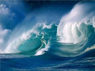 ثلاث لوحات موسيقية معروفة باسم ( البحر) للاوركسترا اشهر اعمال ديبوسى Waves10