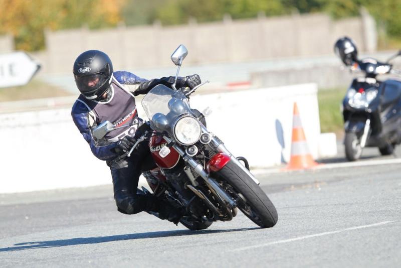 Stage de perfectionnement moto niveau 2 - Ecole Monneret 4_deux10