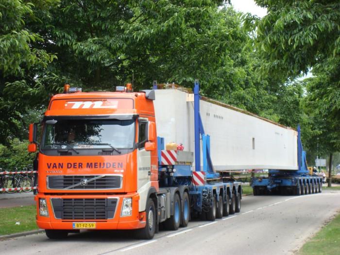 Camions du forum echelle 1 - Page 5 Volvo_13