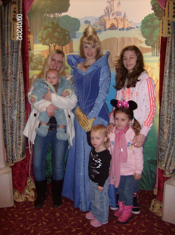Lililuce et sa petite famille au pays des rêves :) Hpim1633