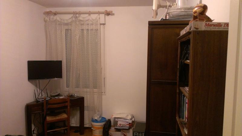 Aménagement de rangement dans une chambre Imag0415