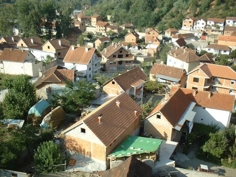 25 Foto nga Hoqa e qytetit në vitin 2005 mund ti shkarkosh me një dataj! (Linku është regulluar) Dscf0014