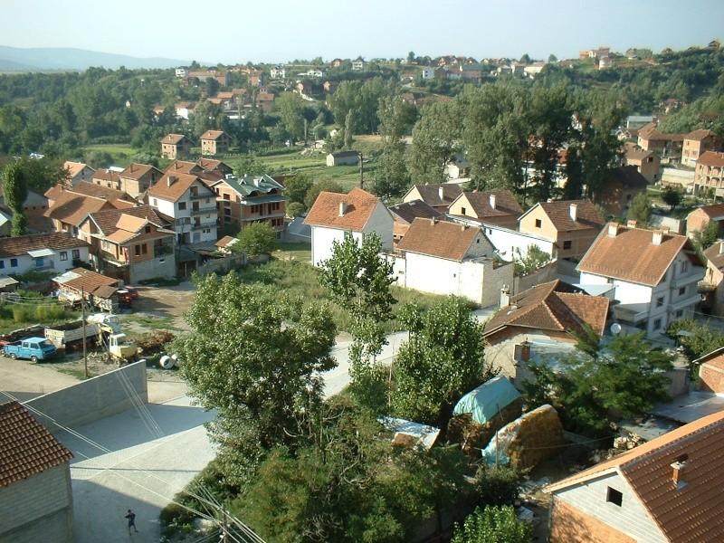 25 Foto nga Hoqa e qytetit në vitin 2005 mund ti shkarkosh me një dataj! (Linku është regulluar) Dscf0015
