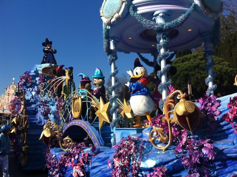 Le 20ème anniversaire de Disneyland paris  - Page 39 45875610